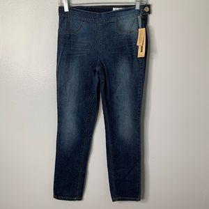 DKNY SLim Pull On Jeans
